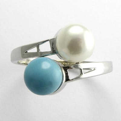 14k Turquoise and Pearl Ring